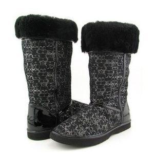 Coach Signature Nikole Snow boots w/ shearling